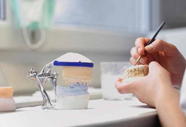 zahnarzt-praxis-drong-hamburg-zahnersatz-implantate